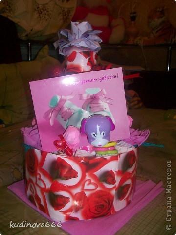 Тортик из памперсов на рождение племянницы.  С него то все и началось.... фото 1