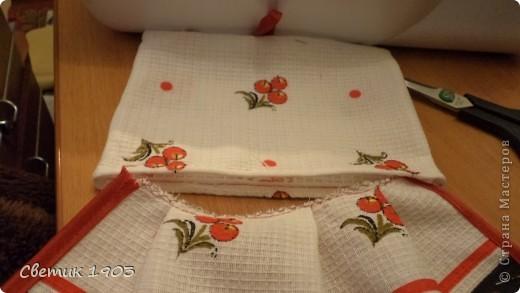 Для украшения своей кухни, на подарочки можно сшить яркие, красивые полотенца. В некоторых магазинах есть похожие в продаже, но их очень просто сшить самим. Получите огромное удовольствие при шитье, радость от яркости и красоты полотенца, и сэкономите денюжки. А это не маловажно. В конце блока я подсчитаю экономию. фото 16