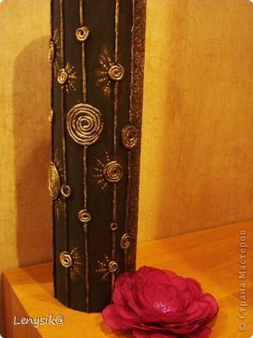 Ваза напольная. основа- бобина от линолеума. очень прочная и устойчивая. для вазы лучше не придумаешь) ну и конечно знаменитый Пейп-Арт. фото 6