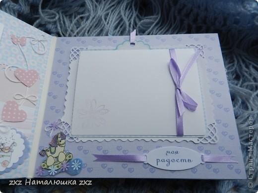 """Ура!!!!!Я сделала свой первый альбом!!!!!С нуля!!!!!""""Гордюсь"""" собой неимоверно)))))Ой,здравствуйте всем!!Ну вот,переплёт вот по этому МК     http://vinograd08.blogspot.com/2010/06/blog-post_27.html      Огромное спасибо автору!!!!Картон,акварельная и фотобумага,дырокольчики,ленточки, пуговки и клей..)И принтер!14 страничек,на 42 фото...Смотрим))) фото 6"""