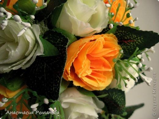 Заготовки для этого деревца были сделаны давно, цветы куплены, ждала вдохновения..... И вот с долгожданным вдохновением вчера оптравилась в ночное))))) В результате народилось у меня вот такое деревце, назвала его Чудо (в хорошем смысле этого слова)))))), уж очень оно мне пришлось по душе........... фото 2