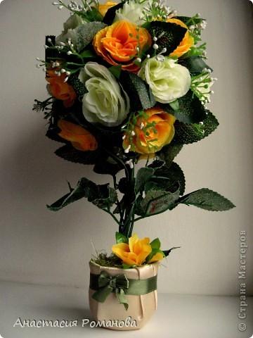 Заготовки для этого деревца были сделаны давно, цветы куплены, ждала вдохновения..... И вот с долгожданным вдохновением вчера оптравилась в ночное))))) В результате народилось у меня вот такое деревце, назвала его Чудо (в хорошем смысле этого слова)))))), уж очень оно мне пришлось по душе........... фото 4