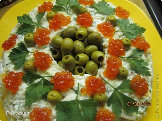 Очень нарядный и вкусный салат! фото 1