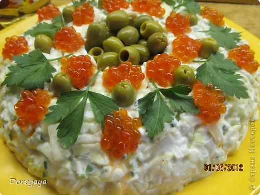 Очень нарядный и вкусный салат! фото 2