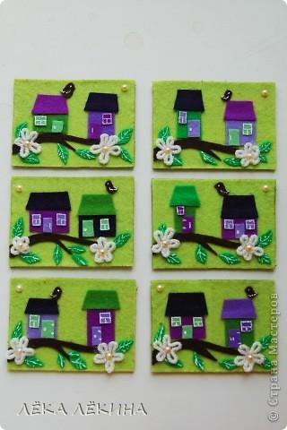 """Итак итоги нашей игры. Условием было сделать карточки с использование цветов - фиолетовый (сиреневый)-салатовый (зеленый)-белый. Можно в небольшом количестве использовать коричневый, черный, серый, ванильный. Моя серия из фетра и называется """"Птичьи домики"""". фото 1"""