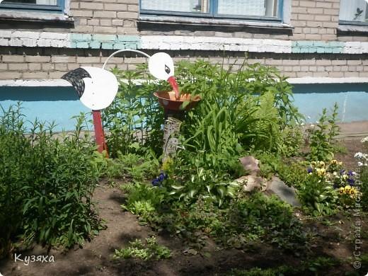 """Клумба""""Лебедь"""", в этом году добавили камыши и лотос из пластиковых ложек(прошлогодние и цветущие у меня в блоге) фото 16"""