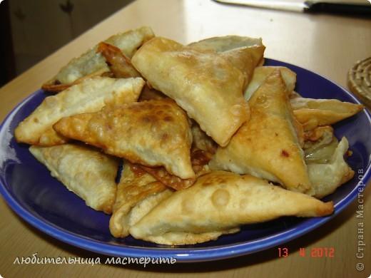 сомалийское нац.блюдо.санбус пирожки с тунцом:)))))очень вкусно я потом как будет время сделаю мк по этому блюду потому что рассказать не получиться нужно пооказывать:) фото 1