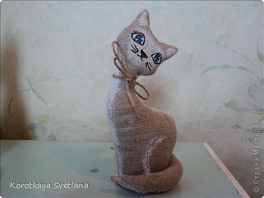 Очень понравилось шить игрушки. Это мама с котенком чайно-кофейные. Рисовала акриловыми красками. фото 5