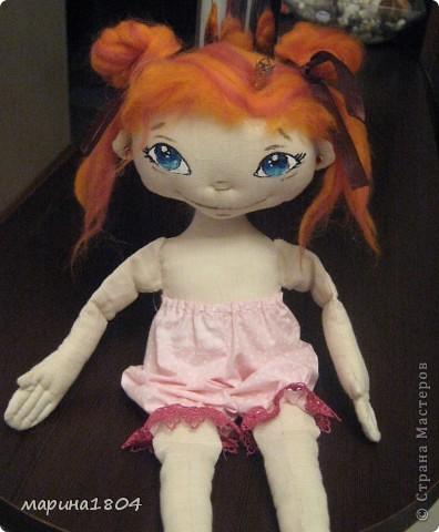 """Вот и я заболела куклами... Хочу поделиться своим восторгом от мастер-класса Виктории http://stranamasterov.ru/node/307319. Наткнулась случайно, была ошарашена эмоциями, которые возникли от работ Виктории, подумала, что это очень круто и не смогу я....Но потом решила """"была-не была"""", и ВОТ! Мою принцессу зовут Мирцелла. Делала я ее специально для своей дочки Жени. фото 4"""