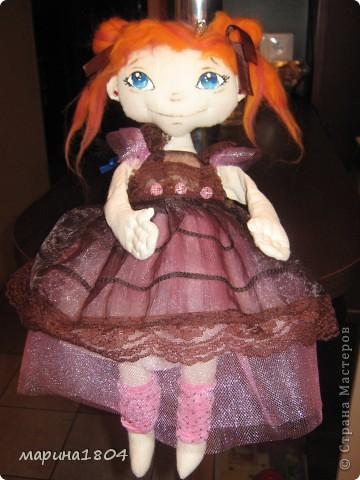 """Вот и я заболела куклами... Хочу поделиться своим восторгом от мастер-класса Виктории http://stranamasterov.ru/node/307319. Наткнулась случайно, была ошарашена эмоциями, которые возникли от работ Виктории, подумала, что это очень круто и не смогу я....Но потом решила """"была-не была"""", и ВОТ! Мою принцессу зовут Мирцелла. Делала я ее специально для своей дочки Жени. фото 5"""