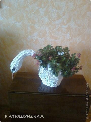 осваиваю технику плетение из журнальных трубочек! это первая ваза косым плетением фото 7
