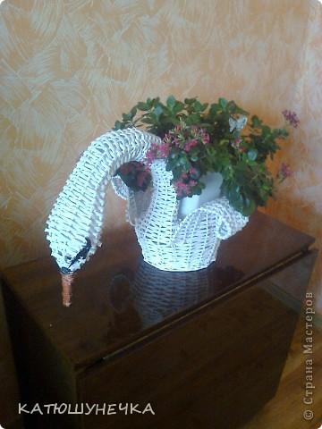 осваиваю технику плетение из журнальных трубочек! это первая ваза косым плетением фото 6