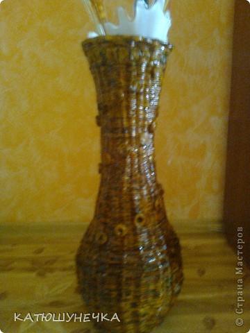осваиваю технику плетение из журнальных трубочек! это первая ваза косым плетением фото 3