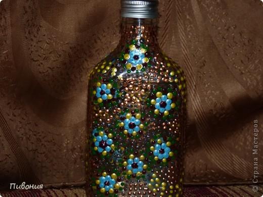 Эта бутылка выполнена в технике декупаж и раскрашена акриловыми красками фото 5