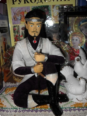 Мои куклы из скульптурного пластилина и папье-маше. Больше всего люблю делать эльфов. Делаются долго (пока все слои просохнут), но это того стоит. фото 3