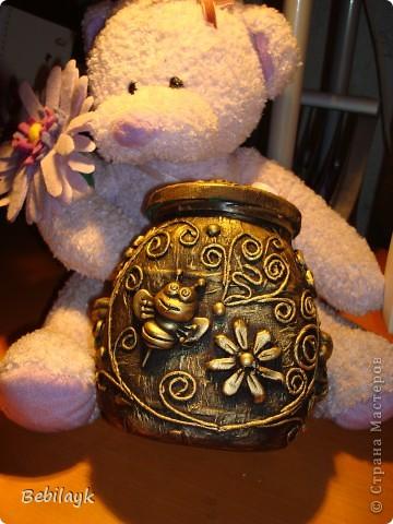 Лето, цветочки, пчелки, мед. Я очень люблю мед. И захотелось сделать себе баночку для меда. Но не простую, а золотую.  И вот что получилось. фото 2