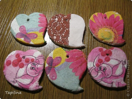 маленькие сувенирчики, приятные подарочки или просто милые ароматические подвески.  запах - мелисса, зверобой, лаванда. окрашены акрилом  фото 5