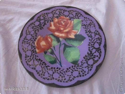 """Тарелка обыкновенная стеклянная. Немного неаккуратно - """"гуляла"""" салфетка. Но не все сразу получается же :-) Муж сказал, что похоже на керамику.  фото 2"""