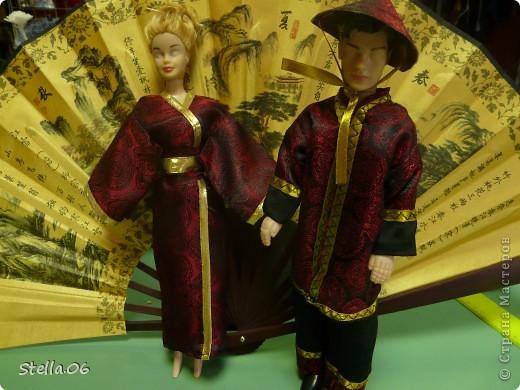 Очень давно не шила на кукол, не люблю возиться с такой мелочью,....  но ....  принесли кукол и заказали на них костюмы... Вот что получилось: первая парочка - китайцы фото 1