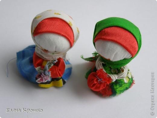 Насмотревшись на гибких кукол Зои Пинигиной и я не удержалась, родилась такая парочка. Делала на основе Куклы из верёвок. Мастер-класс Ларисы Рядновой. Почему-то не хочется  добавлять дополнительного декора, они пленяют меня своей чистотой и лаконичным образом. фото 3