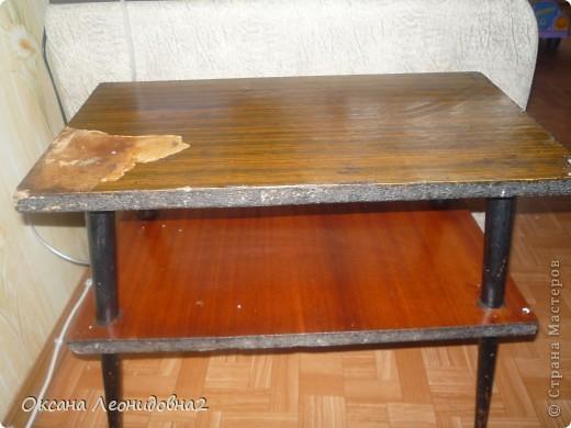 Вот что получилось(не судите строго это у меня первый опыт)Использовала салфетки ,лак мебельный,кракелюрный лак по краю,морилкой покрывала ножки стола. фото 4
