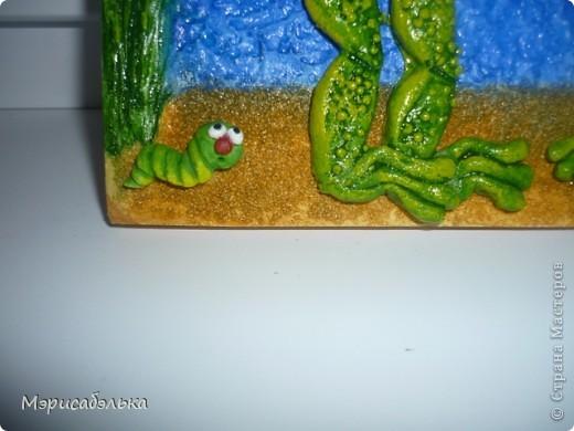 Увидела я как-то в интернете картинку с симпатишными лягушками и решила сделать их из теста в подарок одной из мастериц СМ.Теперь эти красотули уже живут в Москве. Самой лягушки очень понравились и сделала я  себе таких же ,и вам покажу как творила,может пригодится кому. фото 57