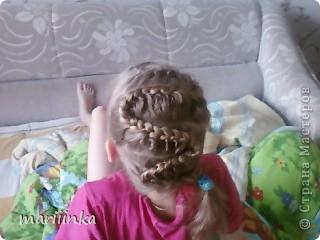 Целый год я каждое утро заплетала косички дочке и её подружкам перед школой.Одна из них предложила пофоткать немножко.Ну и вот их понабралось много. фото 5