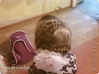 Целый год я каждое утро заплетала косички дочке и её подружкам перед школой.Одна из них предложила пофоткать немножко.Ну и вот их понабралось много. фото 34