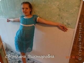 Платье выполнено вязанием на вилке из тонких х/б нитей. Всего ушло около 130г. (длиной более км) фото 1
