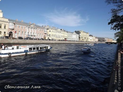 Здравствуйте, рада приветствовать у себя на страничке всех своих гостей! Хочу поделится с вами своей радостью. Я очень мечтала побывать в Санкт-Петербурге и вот в конце мая 2012 года моя мечта сбылась! Мой тур был автобусный, и вот мы выезжаем из Киева. В добрый путь! фото 40