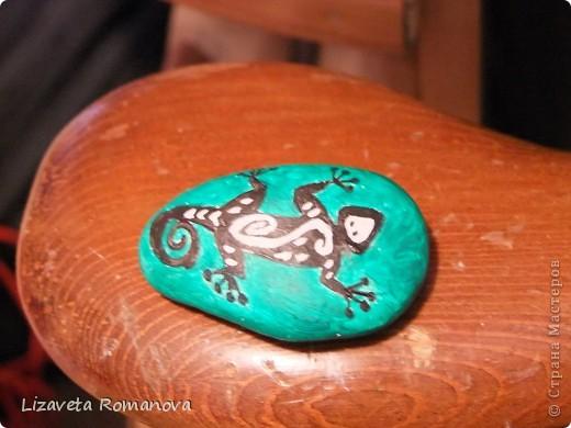 Первый опыт росписи камней фото 2