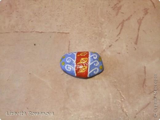 Первый опыт росписи камней фото 3