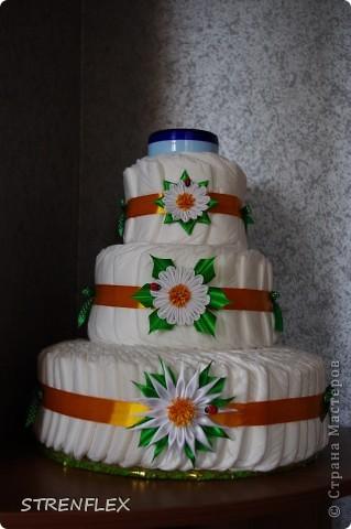 Ура! Вот и родила моя подруга долгожданную доченьку.  А я, как и всегда, решила сделать тортик! Думала-думала какой бы сделать??? А когда возвращалась домой с работы увидела, что начали продавать ромашки! Однозначно решила, что торт будет с ромашками! фото 10