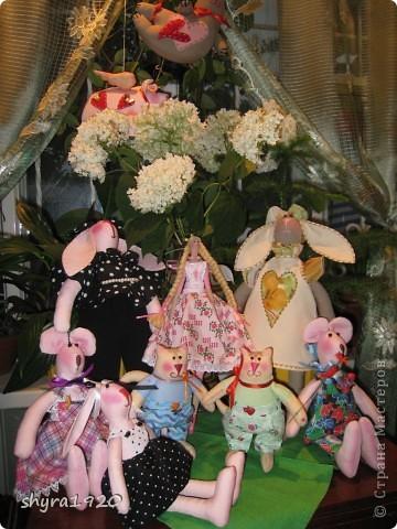 Моя новая семейка из десяти кукла-человеков. Фотографировать было негде, на улице  опять дождь с ветром, пришлось быстро оборудовать место на веранде. фото 1
