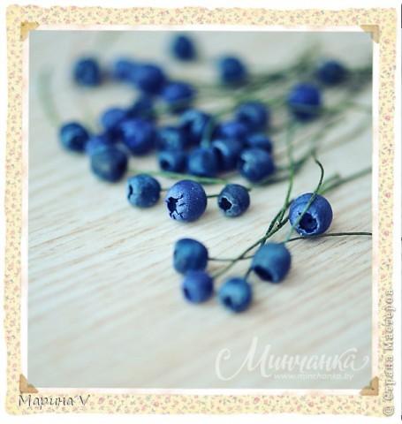 Лепим ягоды черники! Подробный мастер-класс здесь http://www.minchanka.by/ukrasheniya/blueberries_marina_volkova.html