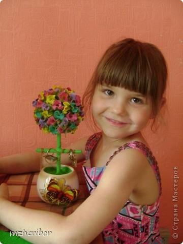 Моя подруга очень любит макароны)) И, на ее день рождения я сделала макаронное дерево! По ходу выяснилось, что ей нужна шкатулка для золотых украшений и....я добавила перекладинку))) Вот, что из этого получилось фото 3