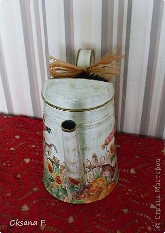Все эти работы были сделаны на заказ. Большая жестяная банка для рассыпного чая или трав, лейка и чайный дом. фото 10