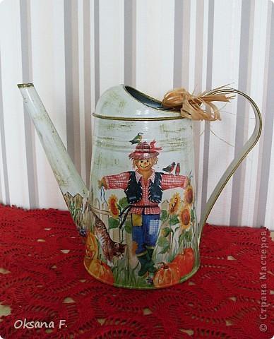 Все эти работы были сделаны на заказ. Большая жестяная банка для рассыпного чая или трав, лейка и чайный дом. фото 6