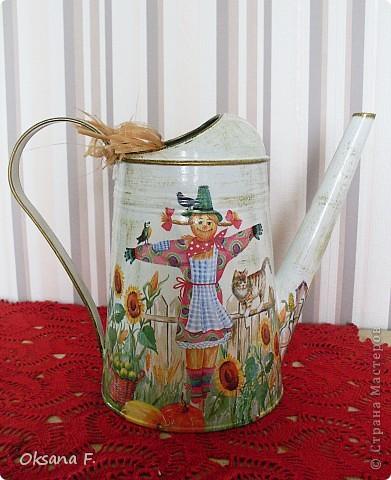 Все эти работы были сделаны на заказ. Большая жестяная банка для рассыпного чая или трав, лейка и чайный дом. фото 7