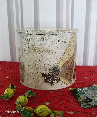 Все эти работы были сделаны на заказ. Большая жестяная банка для рассыпного чая или трав, лейка и чайный дом. фото 4