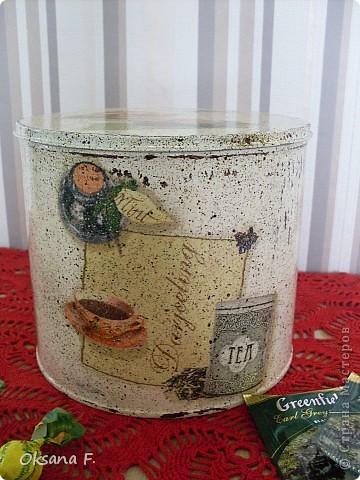 Все эти работы были сделаны на заказ. Большая жестяная банка для рассыпного чая или трав, лейка и чайный дом. фото 1