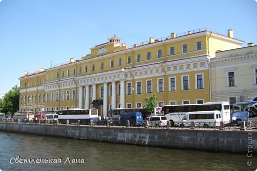 Здравствуйте, рада приветствовать у себя на страничке всех своих гостей! Хочу поделится с вами своей радостью. Я очень мечтала побывать в Санкт-Петербурге и вот в конце мая 2012 года моя мечта сбылась! Мой тур был автобусный, и вот мы выезжаем из Киева. В добрый путь! фото 39