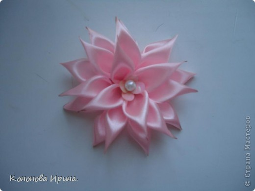 Вот попробовала сделать цветочек, показалось не легко, и не совсем аккуратный.  фото 1