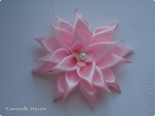 Вот попробовала сделать цветочек, показалось не легко, и не совсем аккуратный.  фото 2