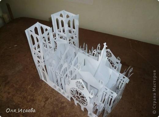 Моя попытка скопировать архитектуру из бумаги.  Источник: http://www.yeesjob.com/New%20notre-dame.htm фото 3