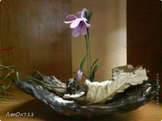 Бутылочка обклеена парчой( на ПВА) + ракушки + сухие травы, забрызганные золотой краской фото 8