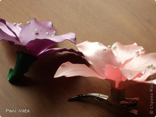 Ура !!! Освоила новый цветок Лилию ! Великолепно смотрится на  длинных волосах !!!  фото 4
