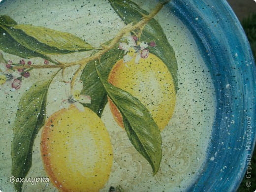 Тарелка d 23 см. В работе использованы акрил. краски 4-5 цветов, салфетка, лак акрил. фото 5