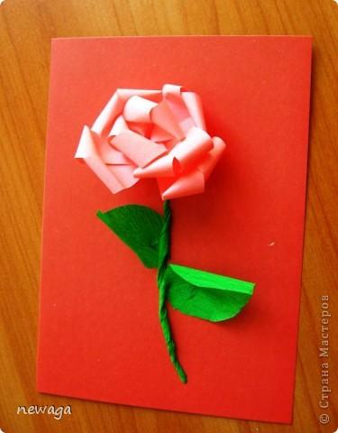 Роза из бумажной полосы - моя авторская разработка. Мастер-класс снимала на занятии с группой детей в городском лагере. На фотографиях работы детей фото 8