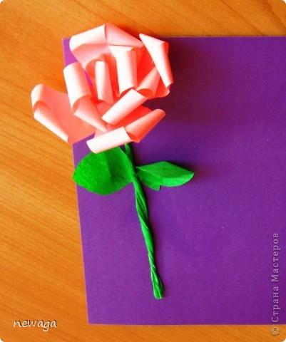 Роза из бумажной полосы - моя авторская разработка. Мастер-класс снимала на занятии с группой детей в городском лагере. На фотографиях работы детей фото 9